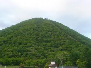 ロープウエーのある山