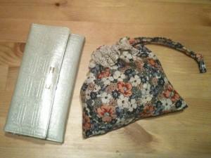 長財布との大きさ比較。
